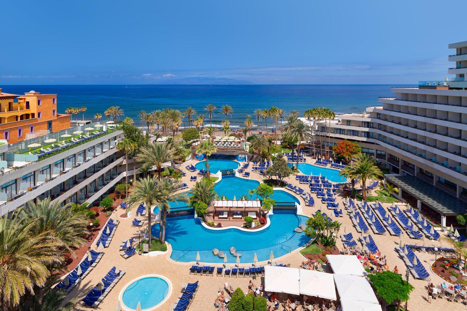 2052-hotel-zwembad