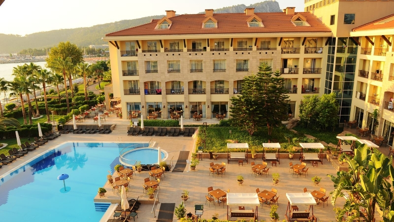 2158-hotel-fame